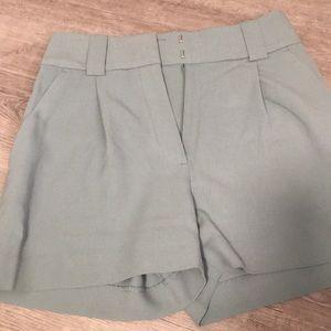 H&M  dressy short